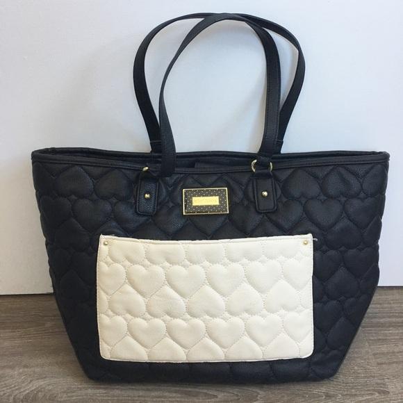 aa561bb5c31c Betsey Johnson Handbags - 🔴CLEARANCE🔴 Betsey Johnson bag